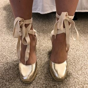NWT Gold Tie-Up Espadrille Wedges